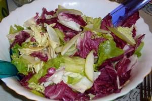 Как готовить Салат с моцареллой и  грушей