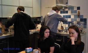 что муж готовит себе сам, если жена готовить не умеет?