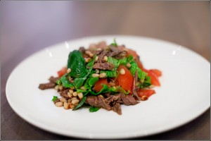 Салат из говядины - один из традиционных пасхального стола