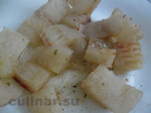 минтай тушенный в моркови с помощью микроволновой печи
