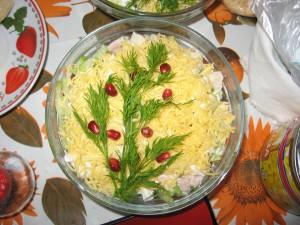 Новогодний салат Елочка от Женского журнала BeeWoman