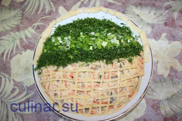Поэтапно готовить салатик Корзинка