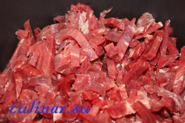 Мясо по-строгановски: рецепт имеет несколько хитростей