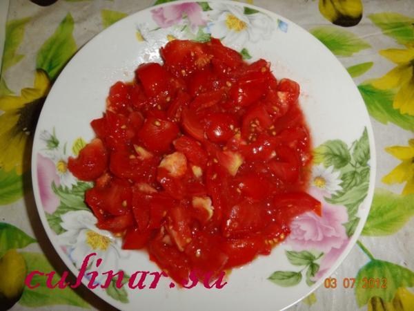Сладкий перец в томатном соусе: молдавское блюдо
