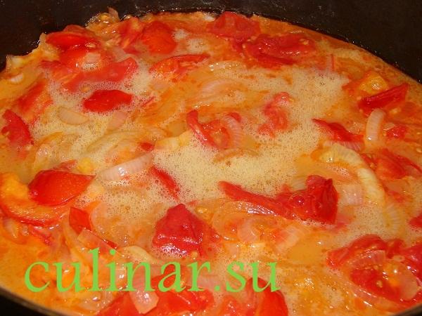 Омлет с томатами и луком
