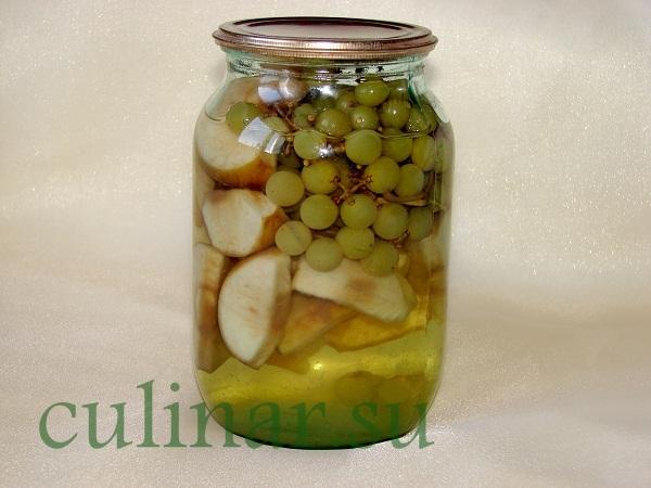 Компот из яблок с виноградом