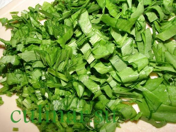 Зеленый борщ из щавеля