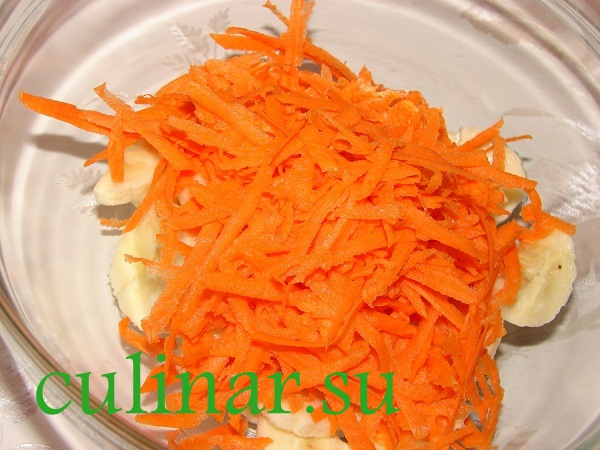 Салат из моркови с бананом