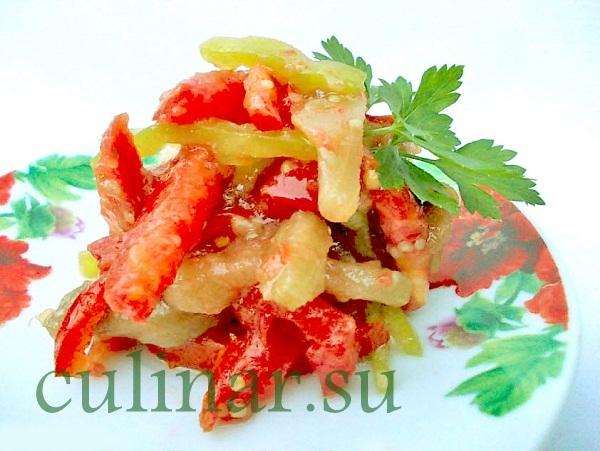 Салат свежий из баклажанов